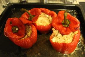 Gefüllte Paprika mit Hackfleisch und Schafskäse