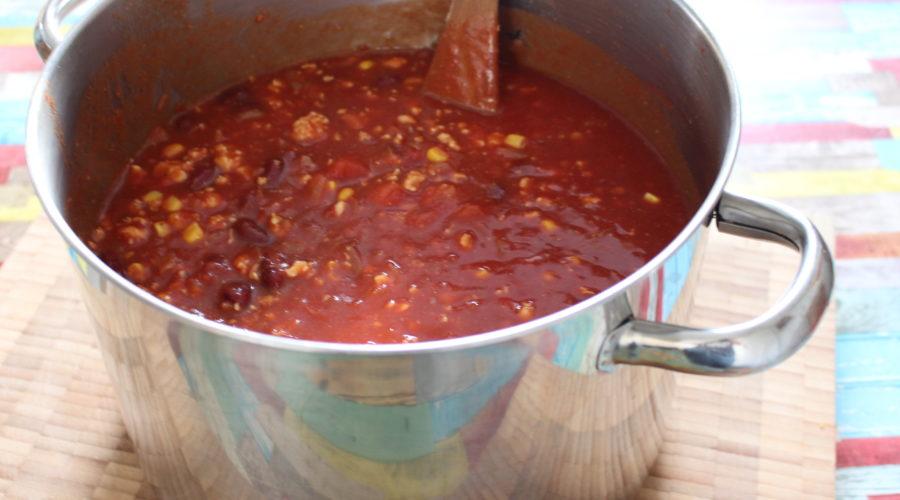 Chili con carne im Topf
