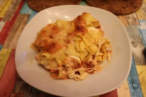 Nudeln mit Fleischklößchen, Mascarpone und Parmesan